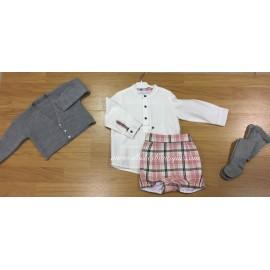 conjunto pantalon cuadros y camisa blanca valiente